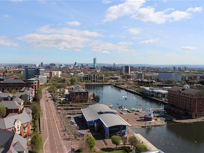 Sovereign Point, Salford Quays - 2 Bed Apartment